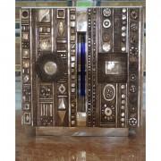 Altare - Bronzo, fusione a cera persa con inserimenti in vetro di Archimede Seguso - h 100x100x90 cm - Chiesa SS Annunziata, Sant'Agata Li Battiati (CT) 2006
