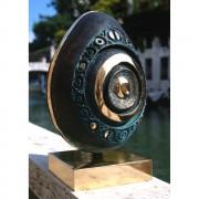 Uovo - Bronzo, fusione a cera persa - 30x30x44 cm - 1997